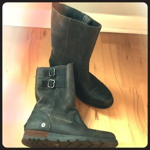 SOREL black leather and suede boots size 8